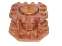 pfeifenshop: Pfeifenständer für 12 Pfeifen - rund, mit Tabaktopf